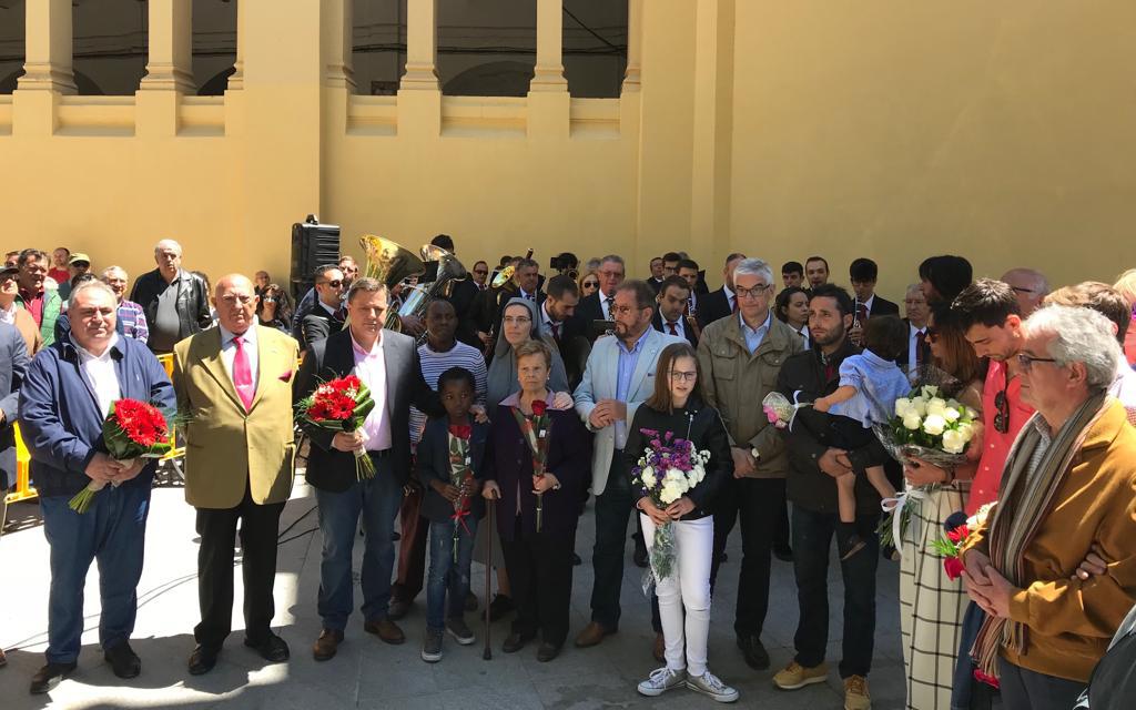 Vicente Tirado asiste al acto homenaje en recuerdo del maestro albaceteño Dámaso González