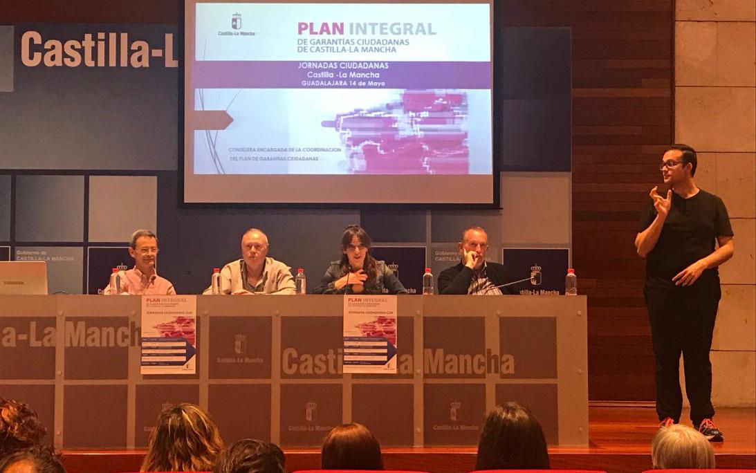 Inmaculada Herranz presenta la Ley de Garantía de Ingresos y Garantías Ciudadanas en una nueva jornada ciudadana
